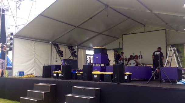 Stage preparation at Te Whakatōhea New Year;s Eve concert